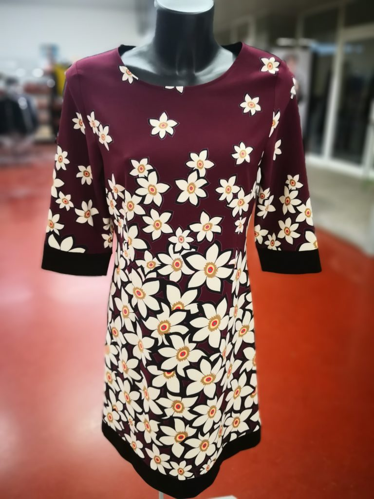 bbc59a195321 Ingrosso abbigliamento Donna Napoli. Ingrosso abbigliamento Signora Napoli