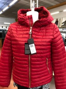 Giubbotti invernali per Donna colore Rosso - Ingrosso online